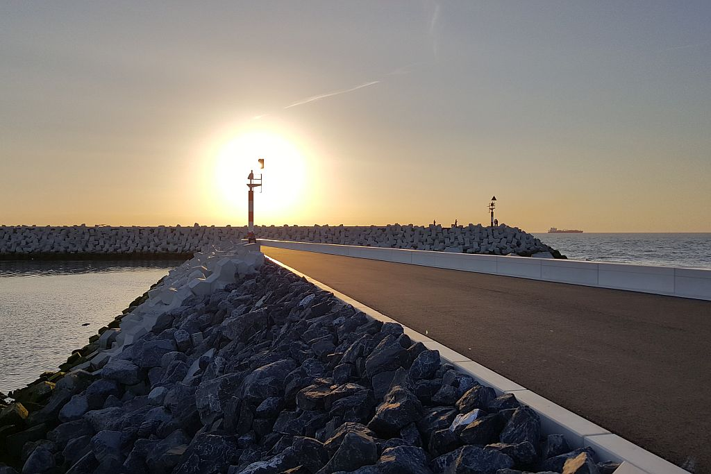 Mole Hafeneinfahrt Cadzand