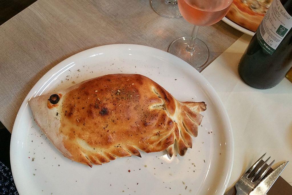 Calzone Pizzeria Columbia Cadzand