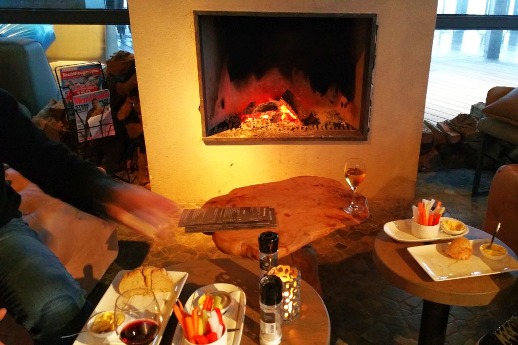 Oasis Parc Ouddorp Holland Kamin im Restaurant