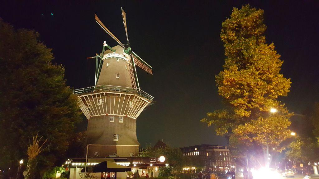 Brouwerij't IJ Amsterdam bei Nacht