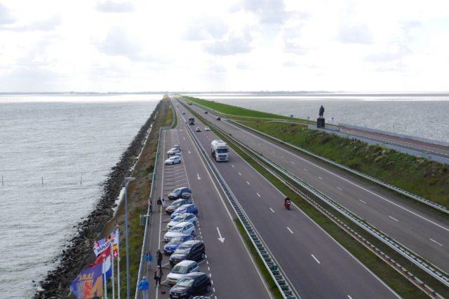 Abschlussdeich Ijsselmeer Holland Blick nach Süden