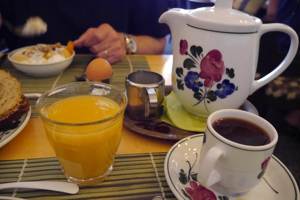 Hoorn Hotel: Frühstückstisch im De Magneet