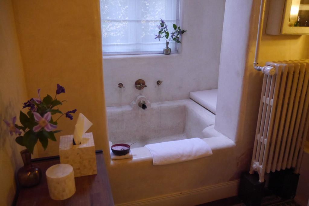 Badewanne in der Garden Suite Villa Nicola Amsterdam
