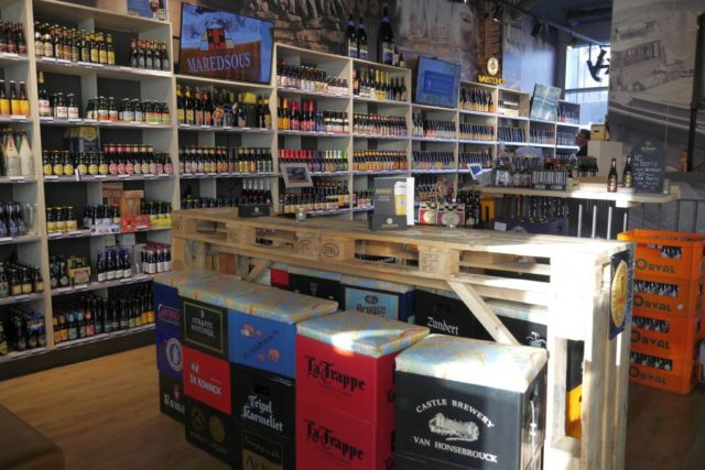 Markthal Rotterdam World Of Drinks innen