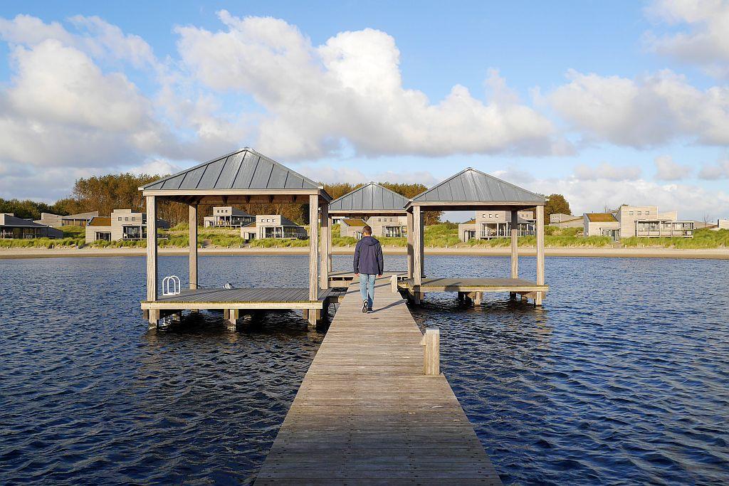 Oasis Parc West-Punt Ouddorp Steg mit Pavillons