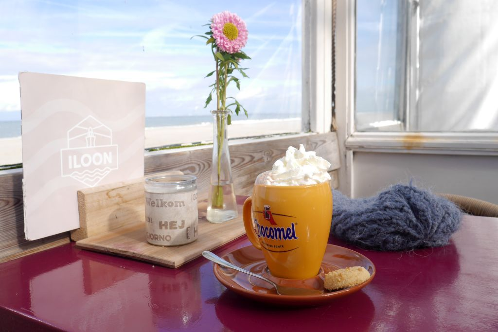Strandpavillon Iloon warme Chocomel