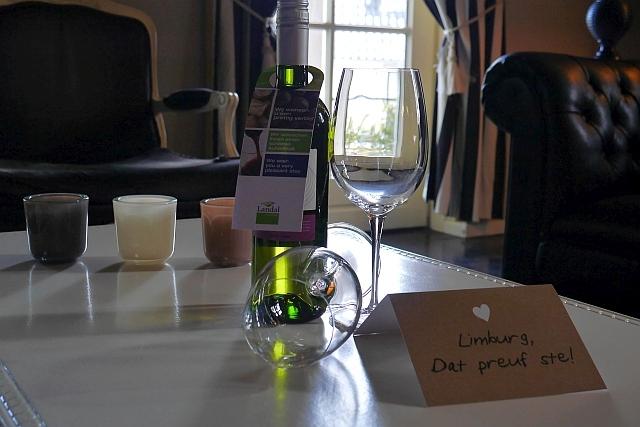 Kasteeldomein De Cauberg Valkenburg Weinflasche