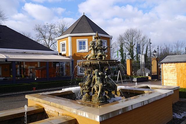 Brunnen Einfahrt Kasteeldomein De Cauberg Valkenburg