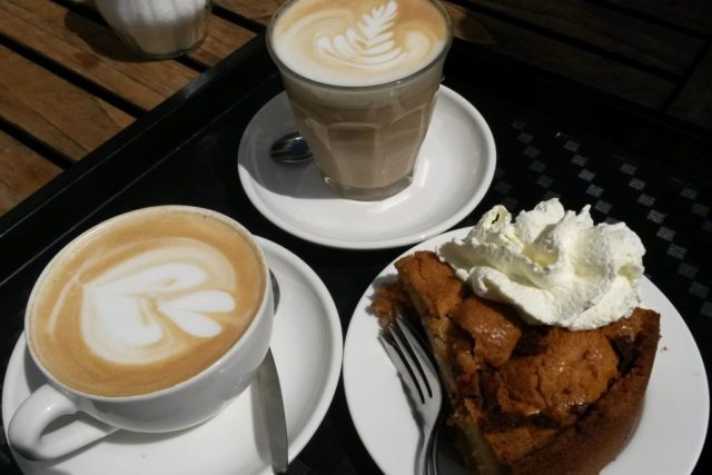 Appeltart im Café Winkel Amsterdam