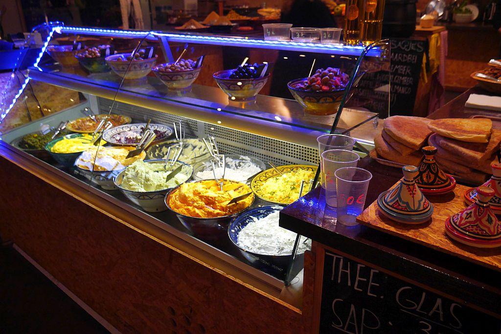 Tapas und Cremes von Meneer Tanger Fenix Food Factory Rotterdam