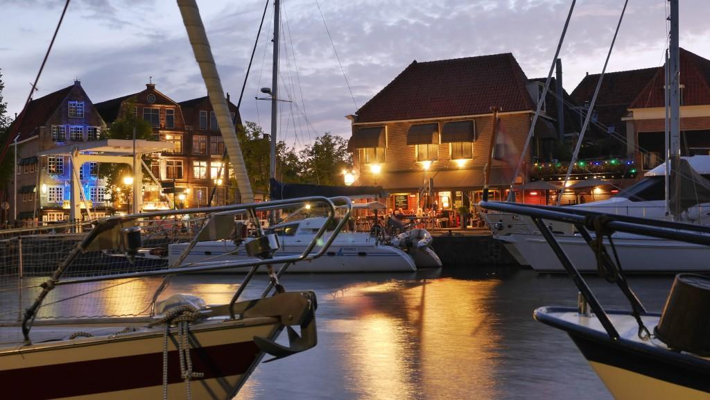 Hoorn Holland Bilder: Oude Doelenkade bei Nacht