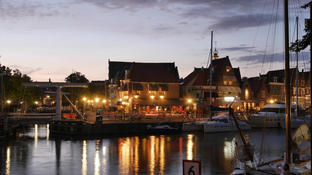 Hoorn Holland Bilder: Hoorn Zugbrücke Oude Doelenkade bei Nacht 2