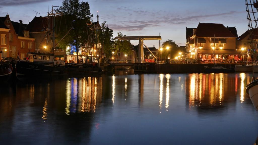Hoorn Holland Bilder: Hoorn Zugbrücke Oude Doelenkade bei Nacht