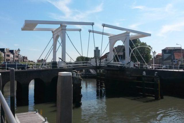 Zierikzee Brücke Hafeneinfahrt