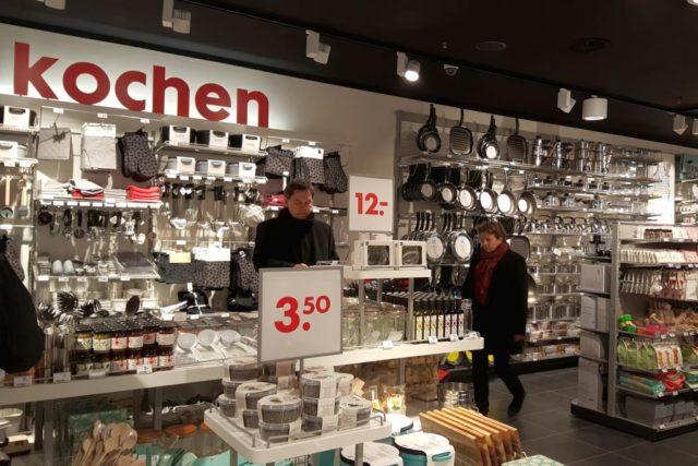 HEMA Köln innen Abteilung kochen