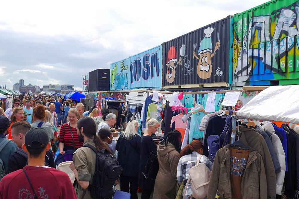 Flohmarkt IJhallen Amsterdam Container