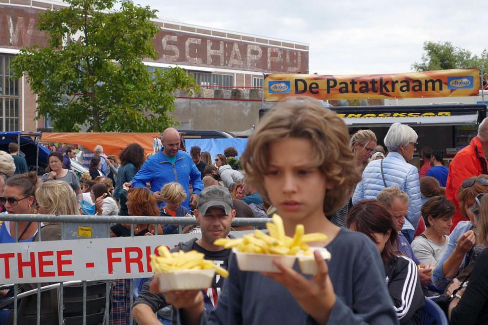Flohmarkt IJHallen Amsterdam Fritten