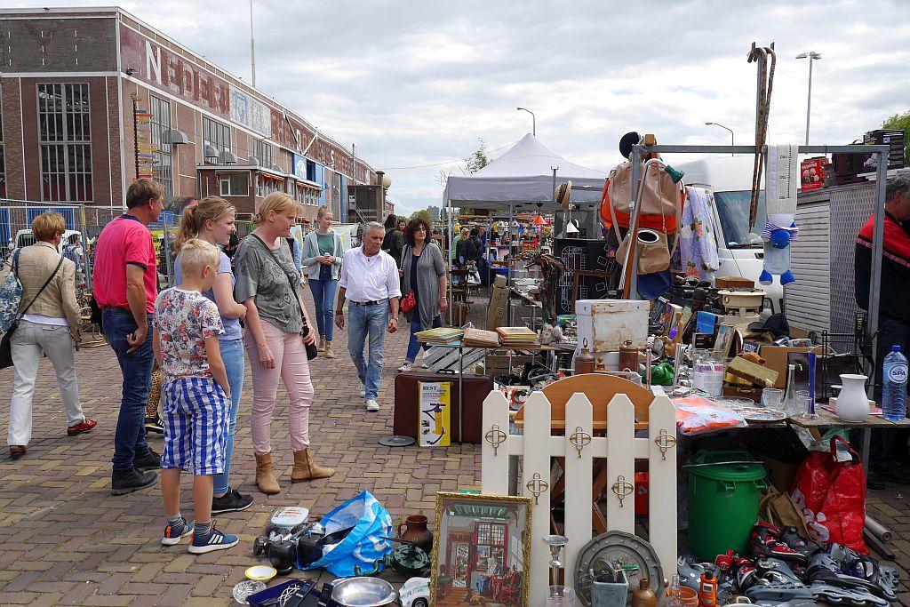 Flohmarkt IJHallen Amsterdam Stand