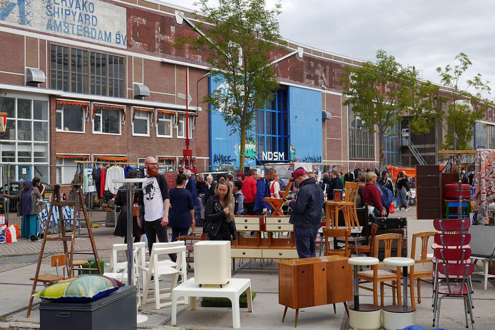 Flohmarkt IJHallen Amsterdam Möbel