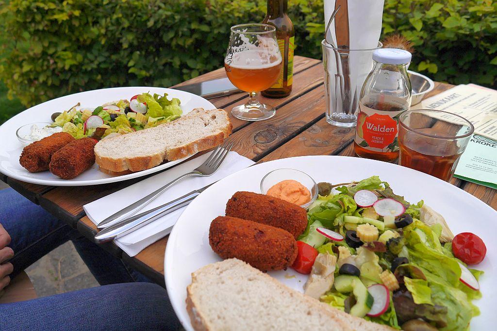 Teller mit Kroketten Restaurant Amsterdam