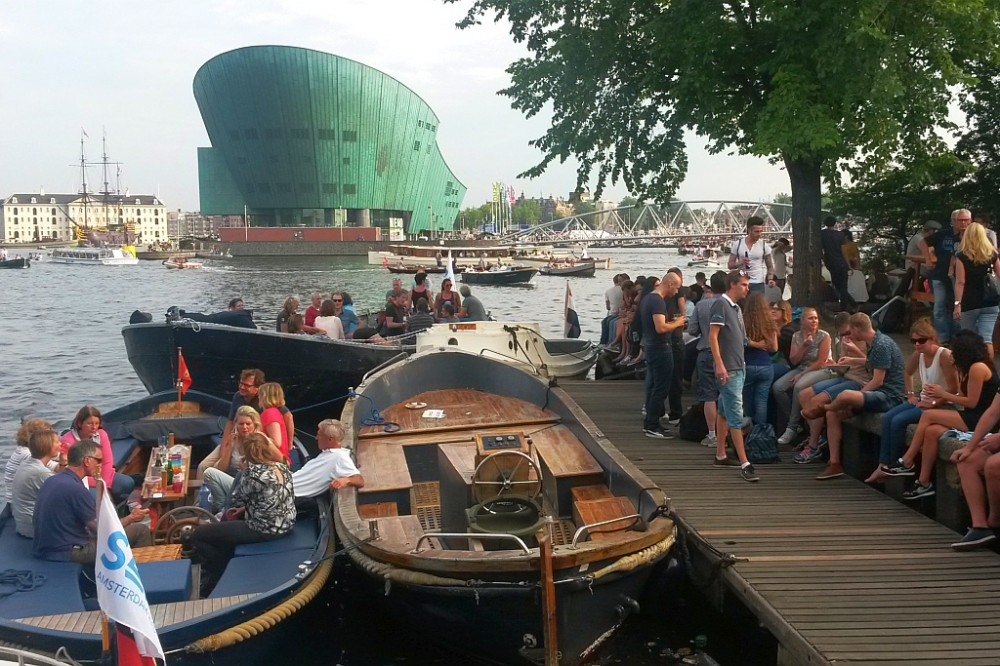 Amsterdam Hannekes Boom Boote vor Nemo