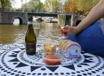Gracht Amsterdam Picknick