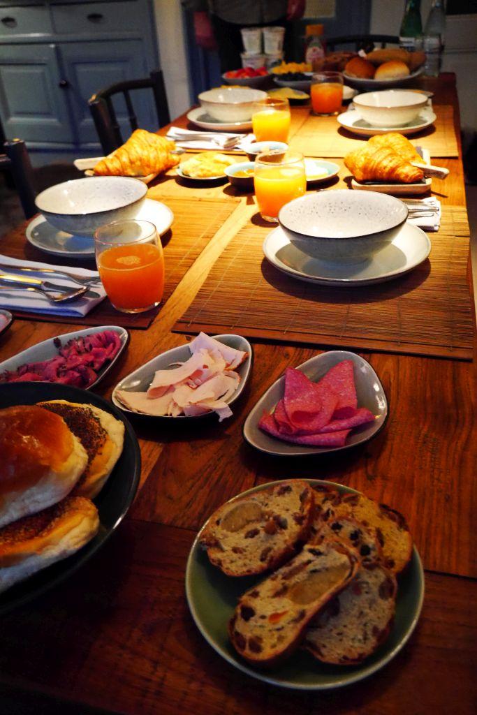 Frühstückstisch Villa Nicola Amsterdam B&B