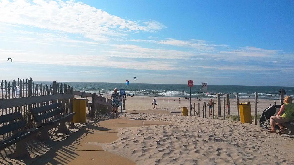 Hoek van Holland: traumhafter Strand mit Ferienhäusern, Beach Clubs & Ausflugsmöglichkeiten