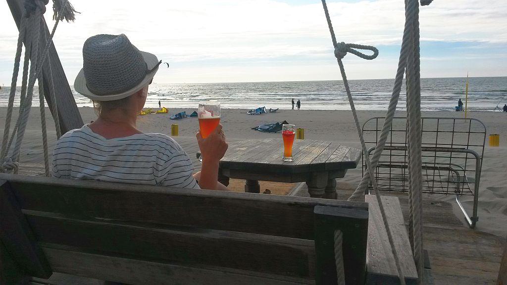 Hollywood-Schaukel Strandtent de Pit Hoek van Holland