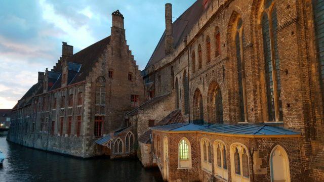 6 Brügge-Highlights: Prickelndes Bier, zarte Pralinen, Bootstour für Verliebte & mehr