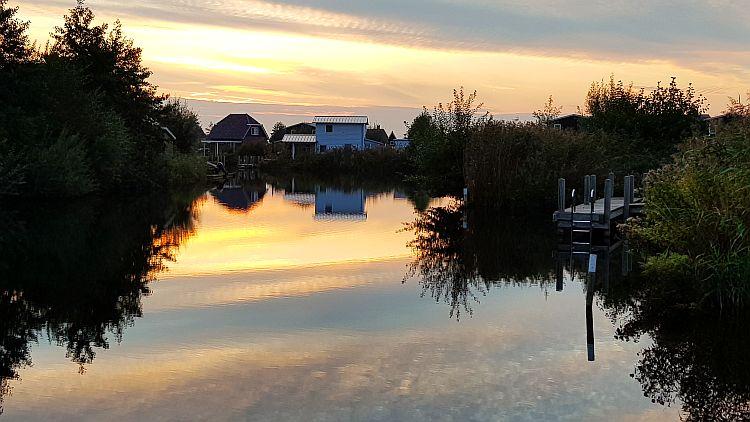 Giethoorn Ferienpark Bodelaeke Sonnenuntergang