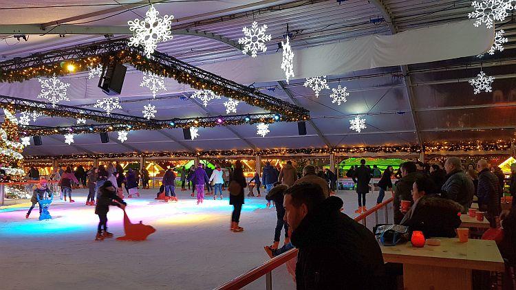Eislaufbahn Maastricht Weihnachtsmarkt