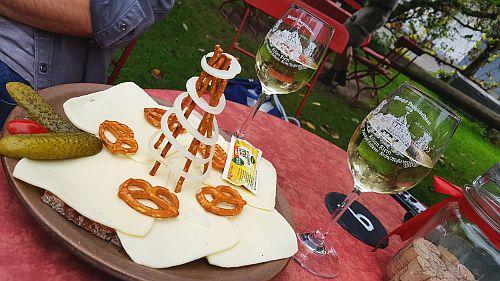 Käsebrot und Wein Weingut Dreigiebelhaus Kröv