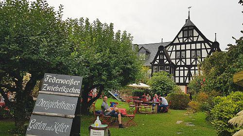 Dreigiebelhaus Weingut Kröv Garten